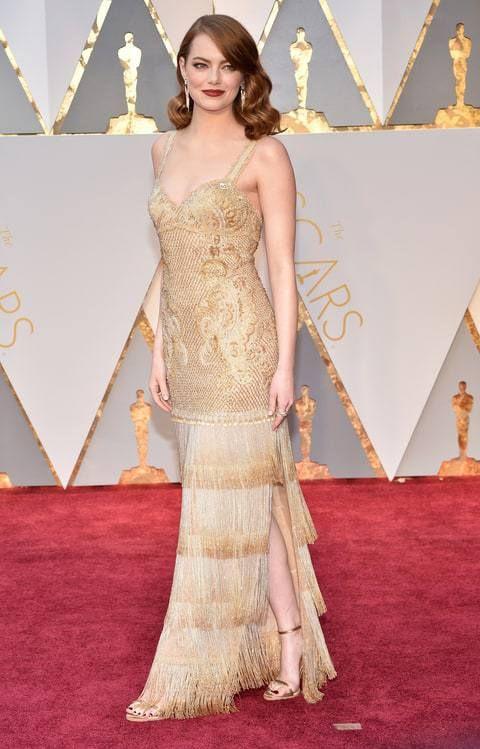 Эмма Стоун (Emma Stone) в платье с бахромой от Givenchy