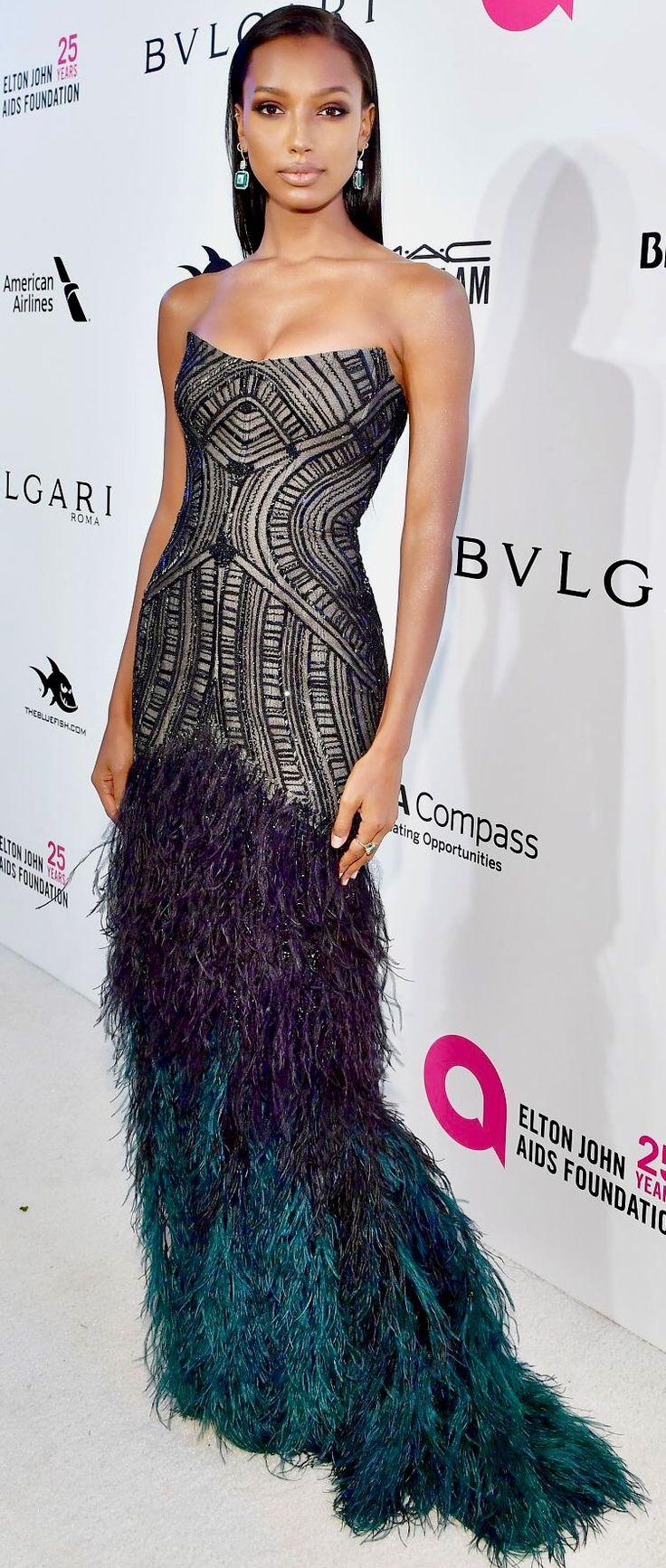 Жасмин Тукс (Jasmine Tookes) в платье с бахромой