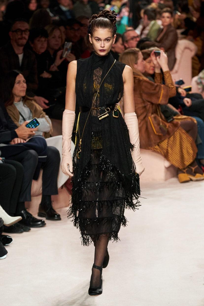 Платье с бахромой от Fendi